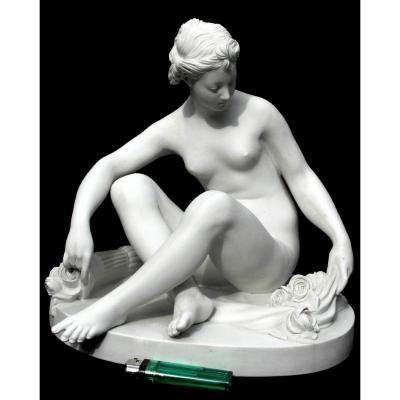 """Biscuit De Sevres 1900  """"Venus au carquois de roses"""" par Etienne FALCONET, parfait, vers 1900"""