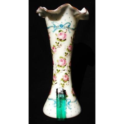 """Vase Diabolo d'époque Napoleon 3 BACCARAT """"guirlandes de roses et rubans"""", vers 1880 era daum"""