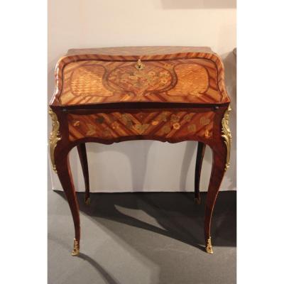 Petit bureau de pente d'Epoque Louis XV