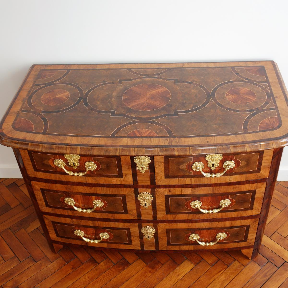 Commode Du Dauphiné D'Epoque Louis XIV.