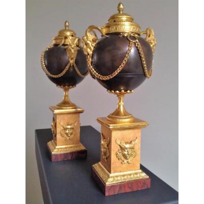 Paire De Pots-pourri Néo-classique, Début XIXème Siècle.