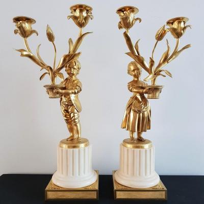 Paire De Candélabres Aux Enfants Jardiniers De Style Louis XVI