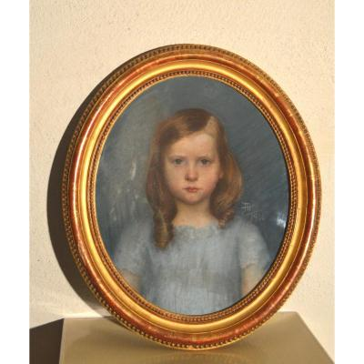 Portrait de fille au pastel