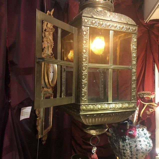 Grande lanterne, goût du 17è, riches ornementations, ép. 19è.-photo-2