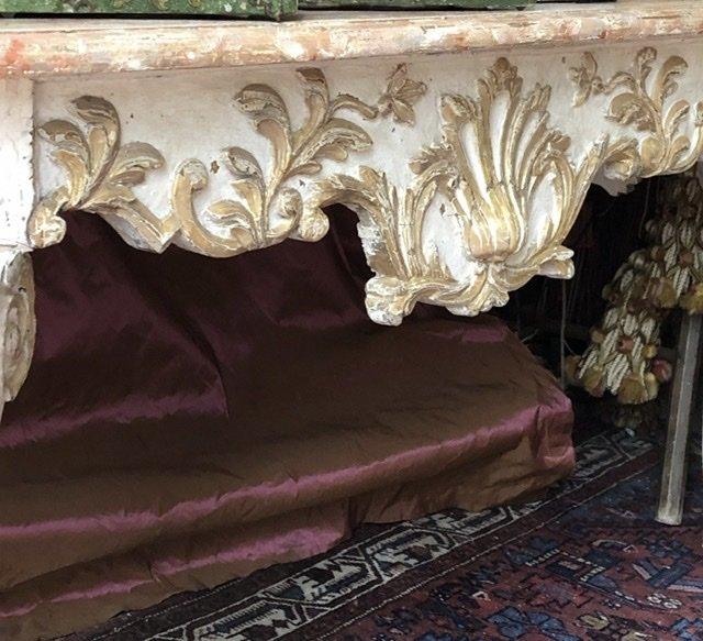 Naples XVIIIè, console basse, sculptée,  faux marbre. -photo-1