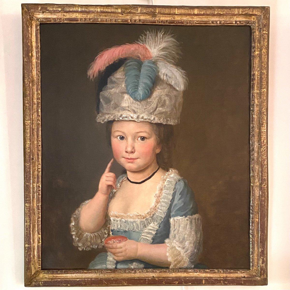 Fillette au bonnet, plumes et fard à joue, fin XVIIIe, ép. Louis XVI
