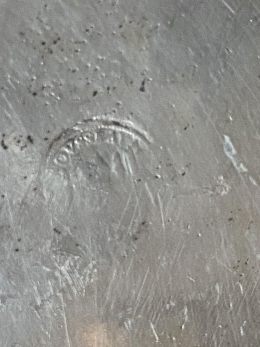 Plat XVIIIe argenté, armorié, sur étain-photo-4