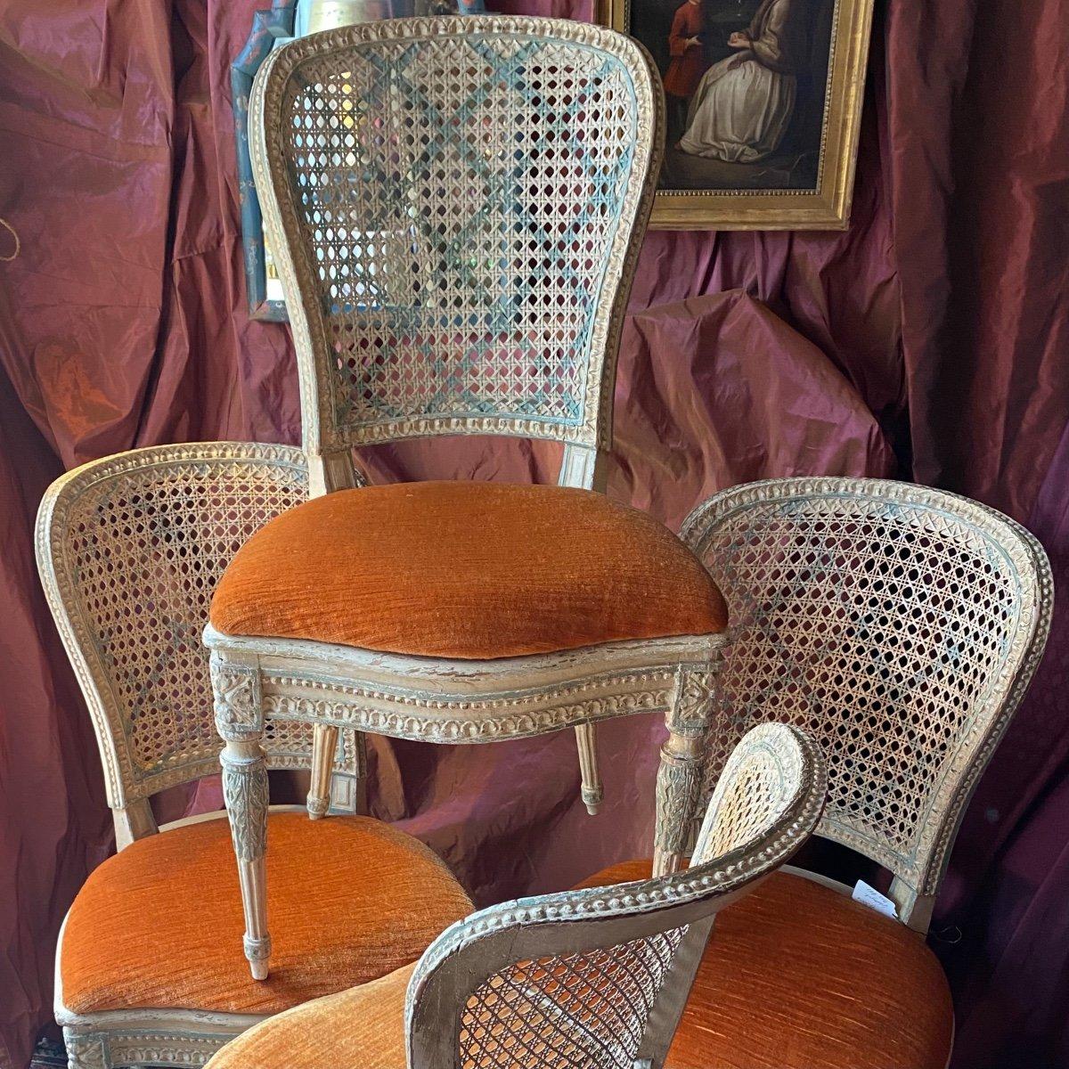 Rare suite de 4 chaises d'époque Louis XVI - 18ème.