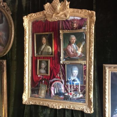 """Miroir Régence XVIIIème,  cadre Bérain """"au carquois""""."""