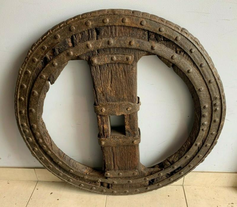 Two Wheel Wheels In Wrought Iron Riveted And Interior In Oak XVI Century-photo-3