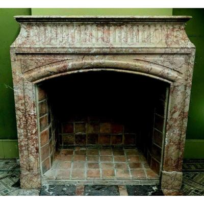 Louis XIV Style Fireplace With Hood In Pink Veined Marble XIX Century