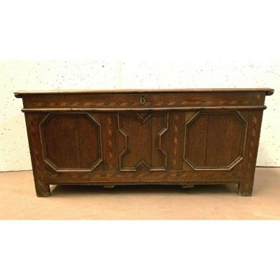 Chest In Oak And Light Wood Marquetry XVIII Century