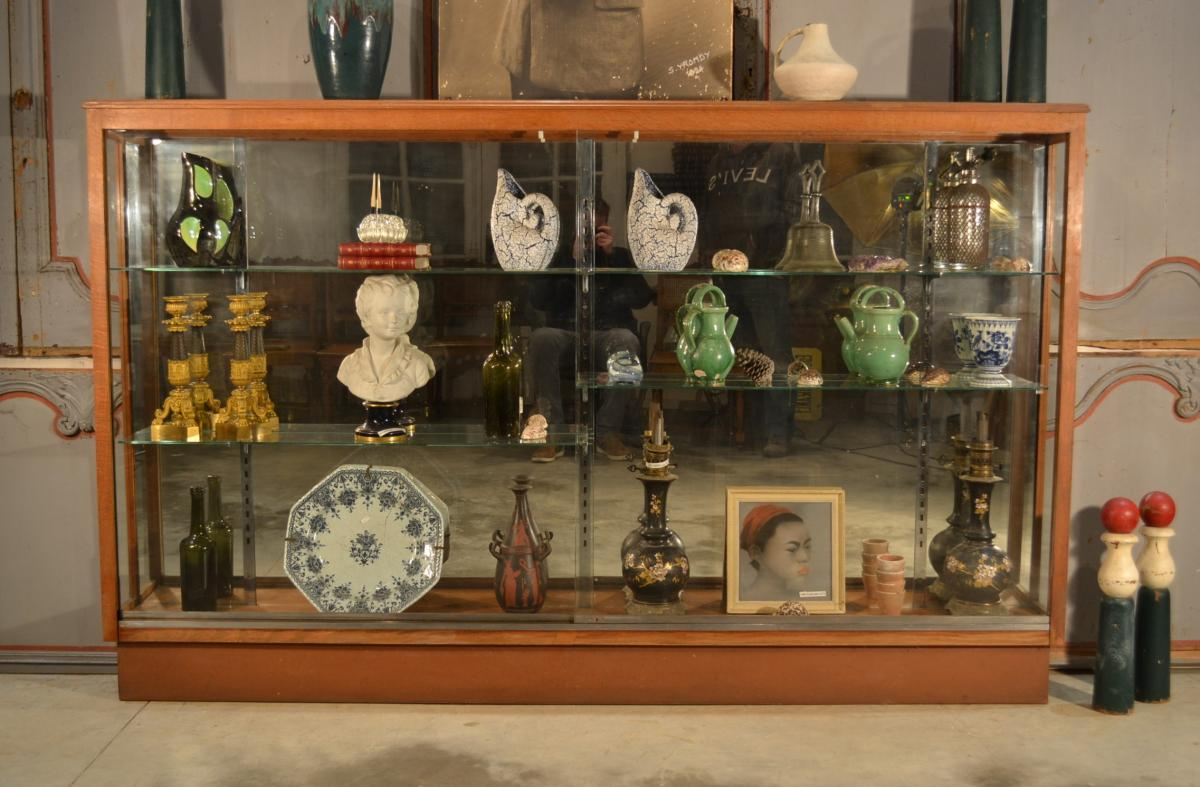 Shop Showroom Or Collector