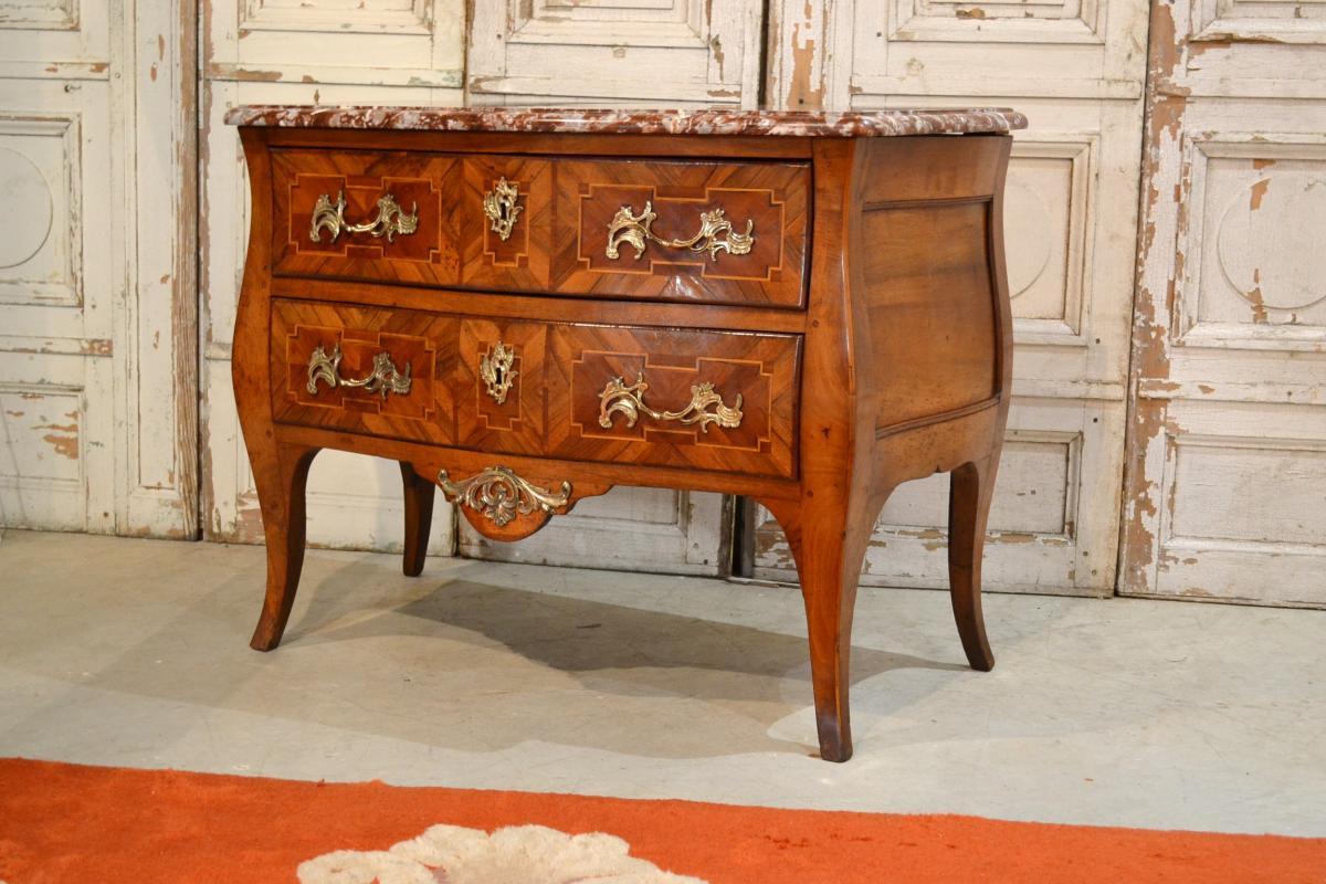 Commode Sauteuse En Marqueterie Époque XVIIIème