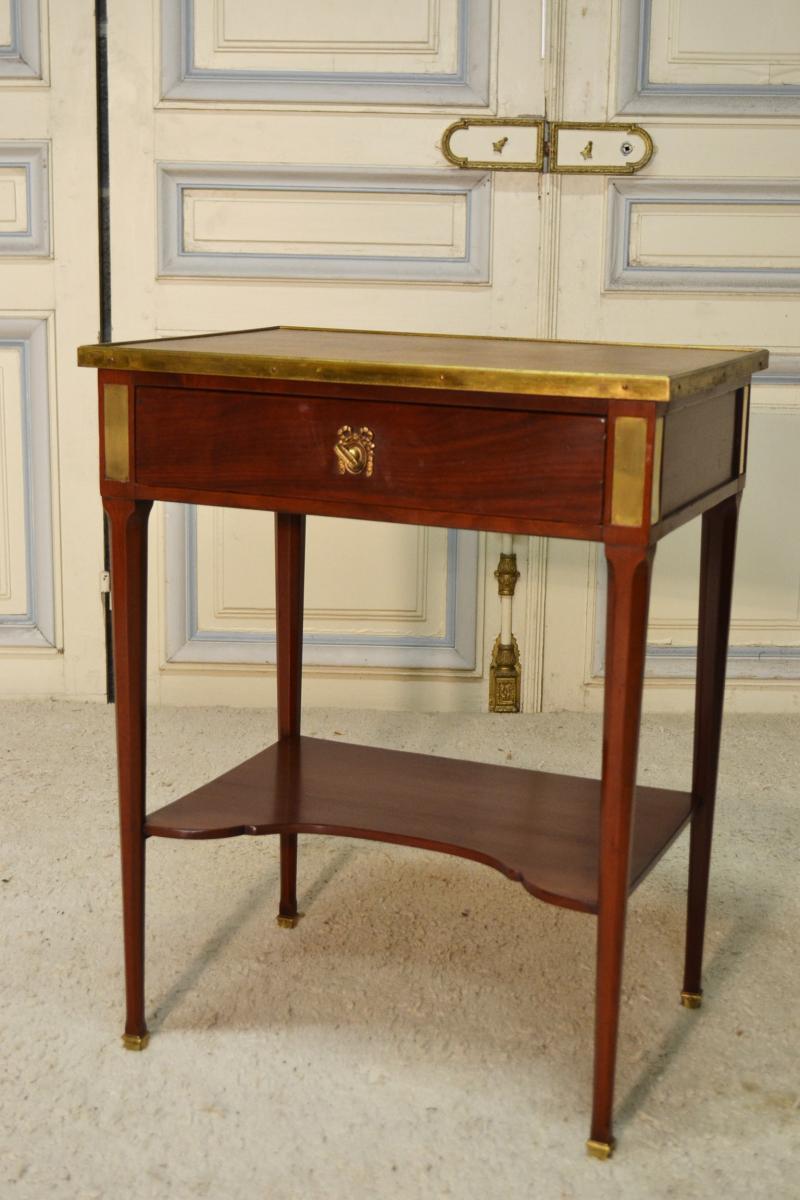 Small Mahogany Style Lounge Table Lxvi