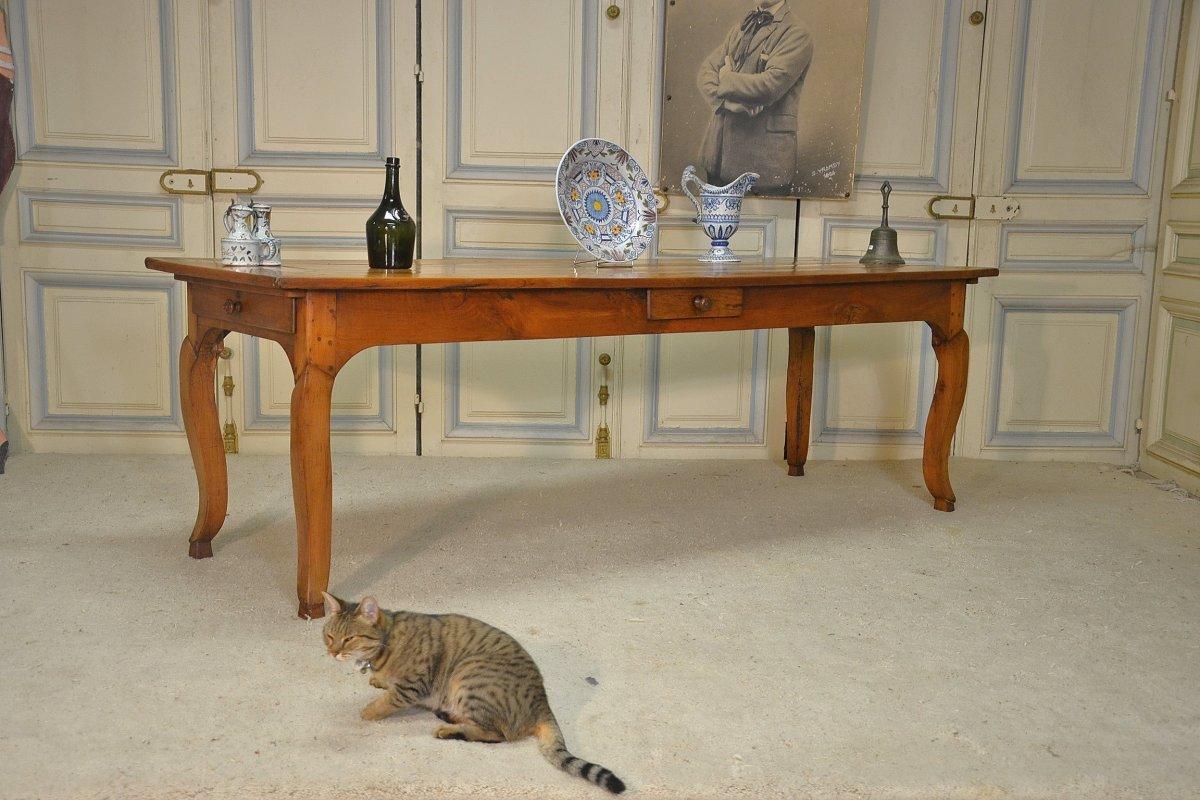 Table De Salle à Manger De Style Lxv En Merisier.