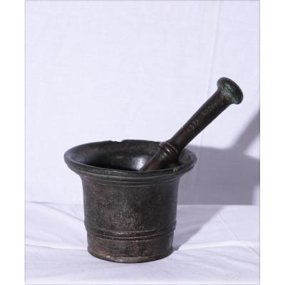 Mortier En Bronze Avec Claquette, XVIIe Siècle
