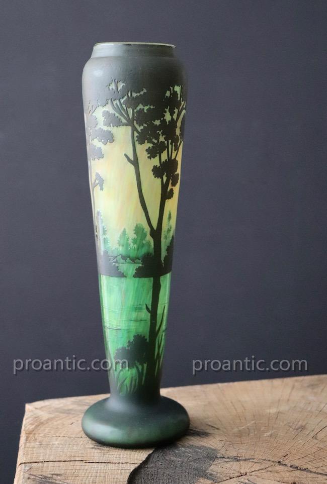 Vase En Verre  Muller Frères Luneville. Paysage. H 30cm