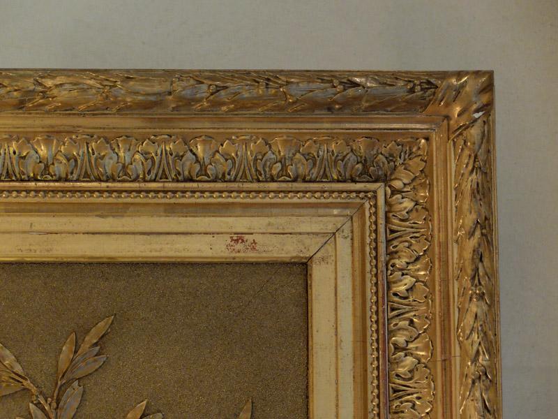 Grand cadre ovale en bois et stuc doré-photo-4