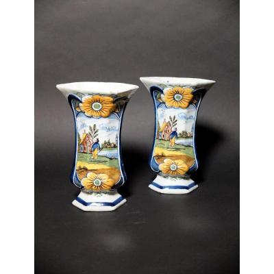 Paire de vases en faïence de Delft - XIXème siècle