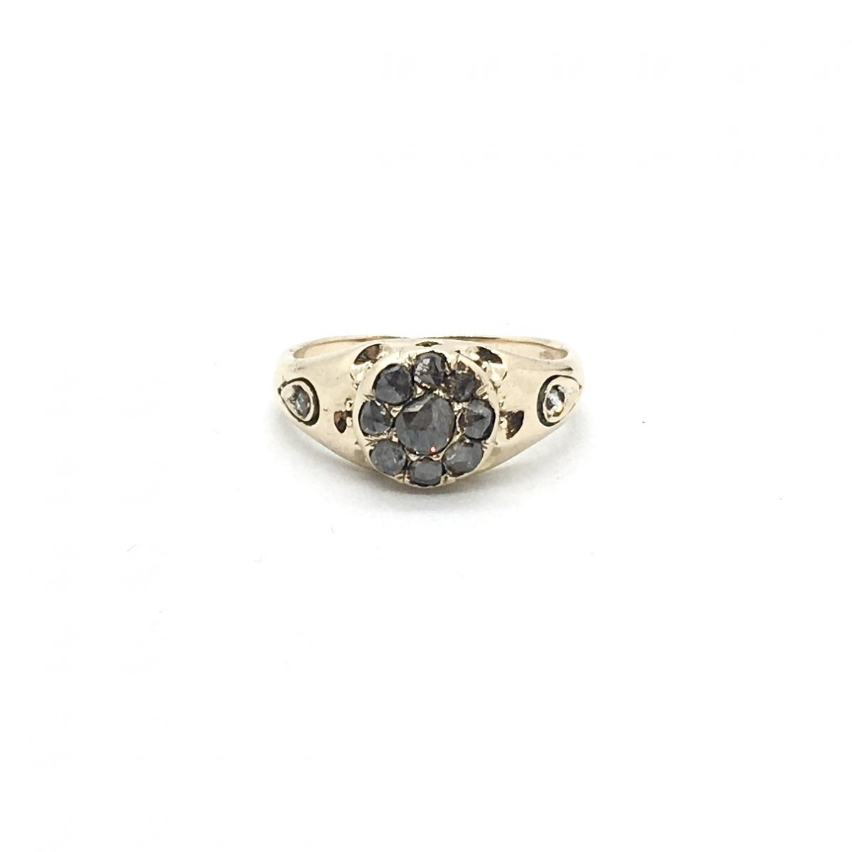 2136. Antique Gold Ring With Diamonds