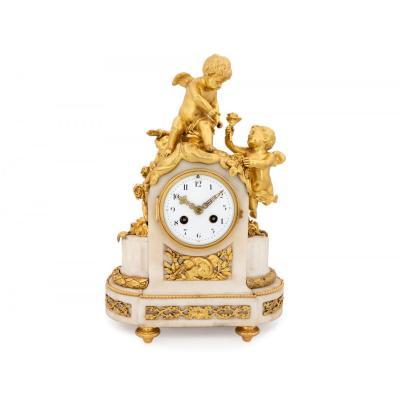 Pendule Napoléon III En Bronze Doré Avec Chérubins, Signé Vincenti & Cie