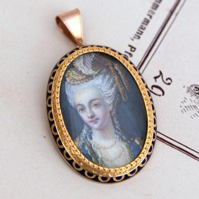 18 K Gold Brooch With Portrait Of A Young Noble Woman On Ivory