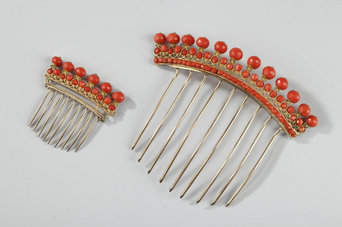 Diadem Combs With Coral. Early 19th Century. First Empire.