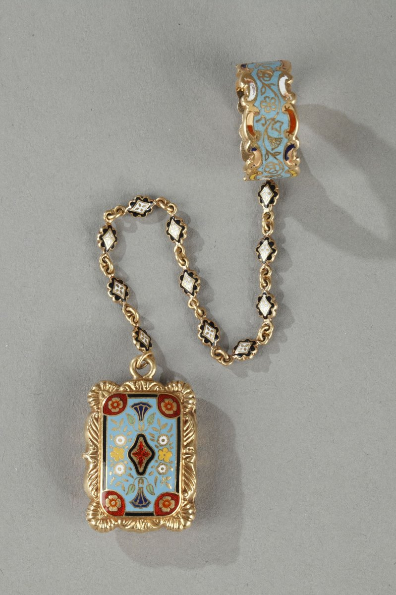 Mid-19th Century Gold Vinaigrette And Ring.