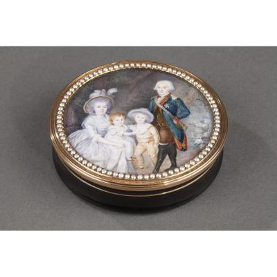 Gold And Tortoiseshell Box With Miniature Signed Morel. 18th Century.