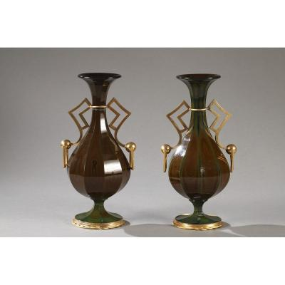 Paire De Vases En Verre Lithyaline, Monture Bronze Doré. Bidermeier, Circa 1830.