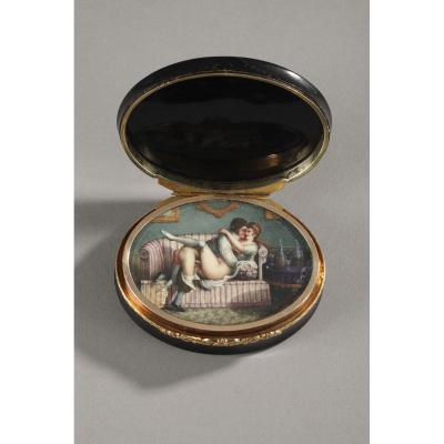 Hidden Compartment Snuff Box Tortoiseshell, Gold And Erotic Miniature. 19th Century.