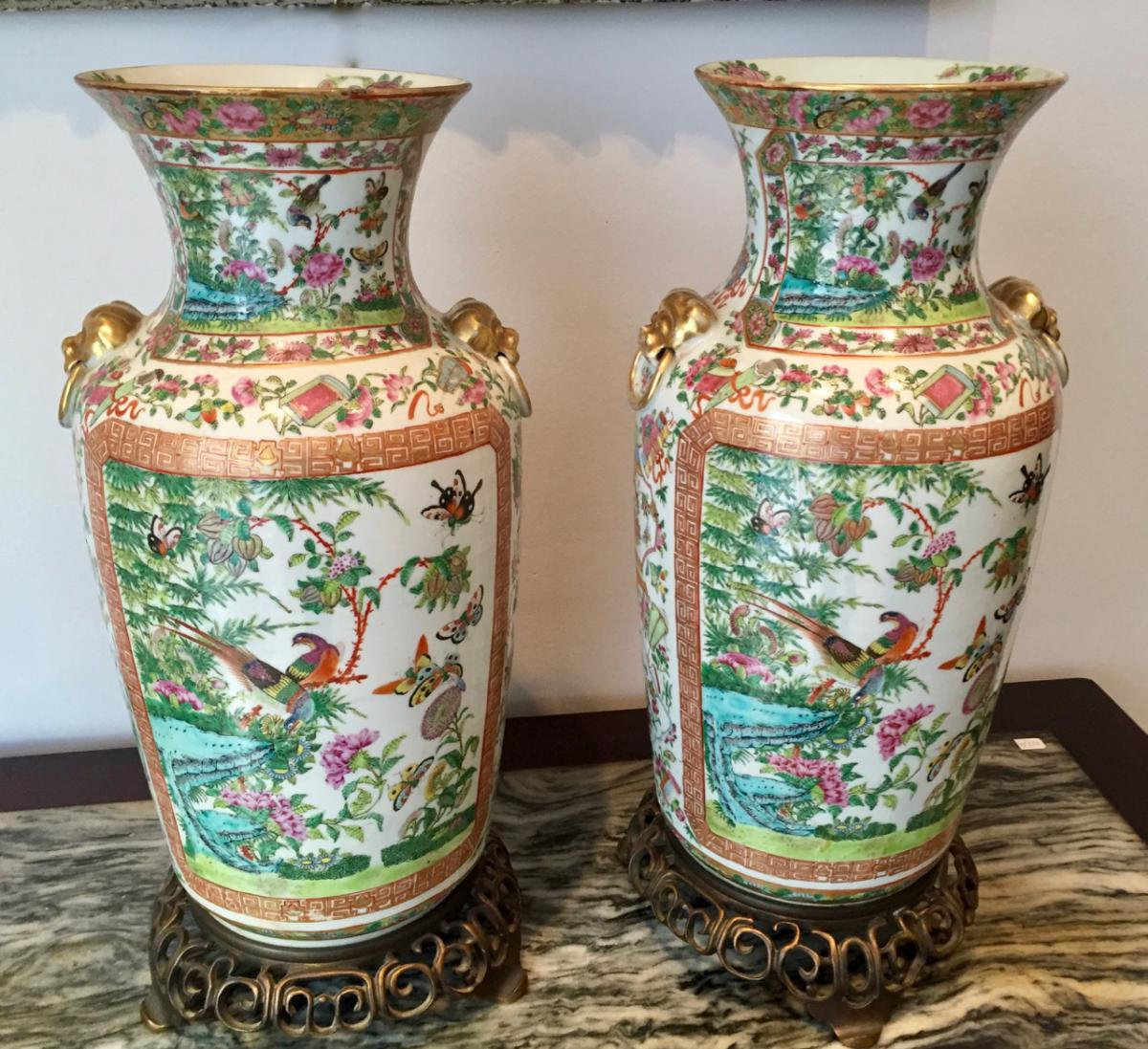 Paire De Vases De Canton
