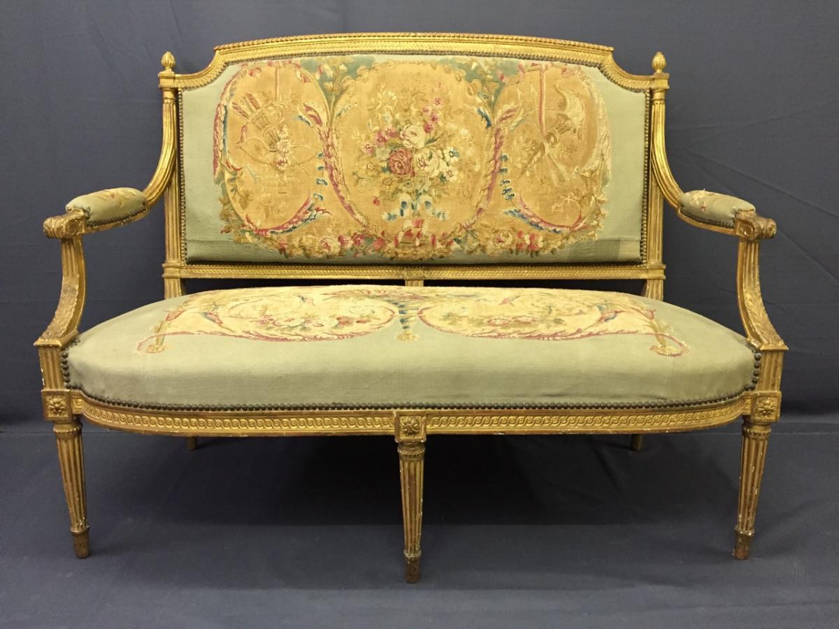 Petit Canapé En Bois Doré De Style Louis XVI