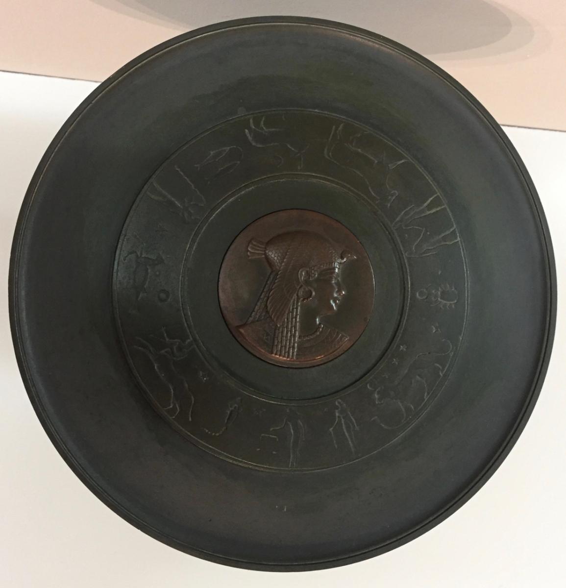 Coupe En Bronze De Style Néoclassique