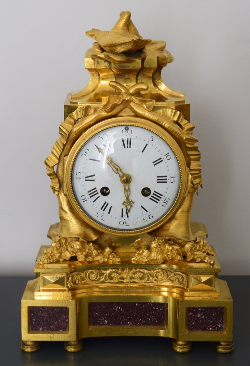 Pendule Borne D époque Louis XVI En Bronze Doré Et Porphyre