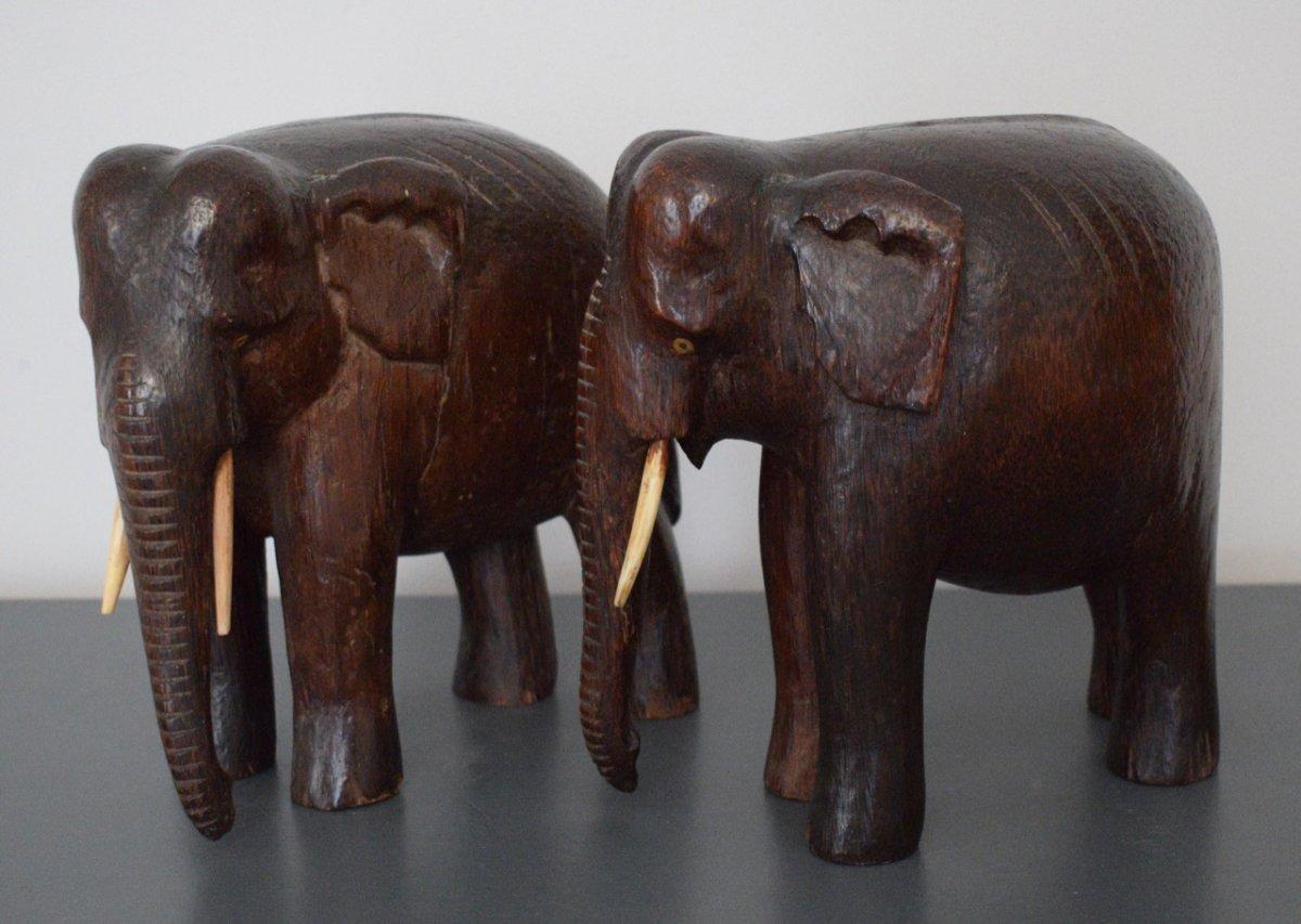 Paire D éléphants En Bois Sculpté