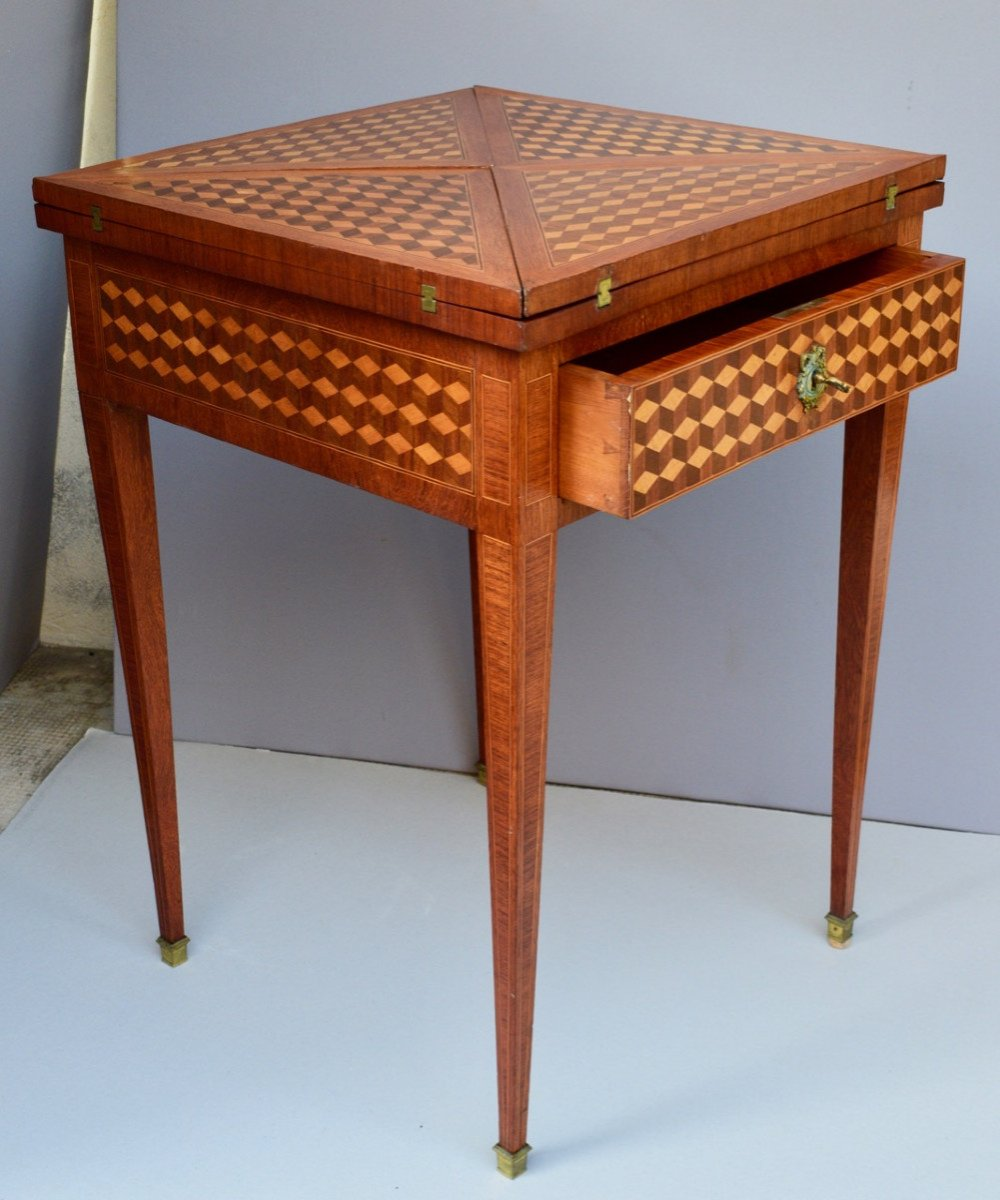 Table A Jeux De Style Louis XVI