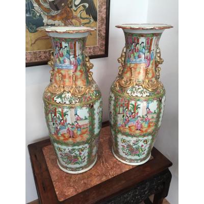 Paire De Grands Vases De Cantons