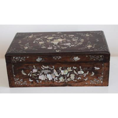 Exotic Wood Box Inlaid With Mother Of Pearl Vietnam XIX Eme