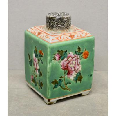 Chinese Porcelain Tea Box
