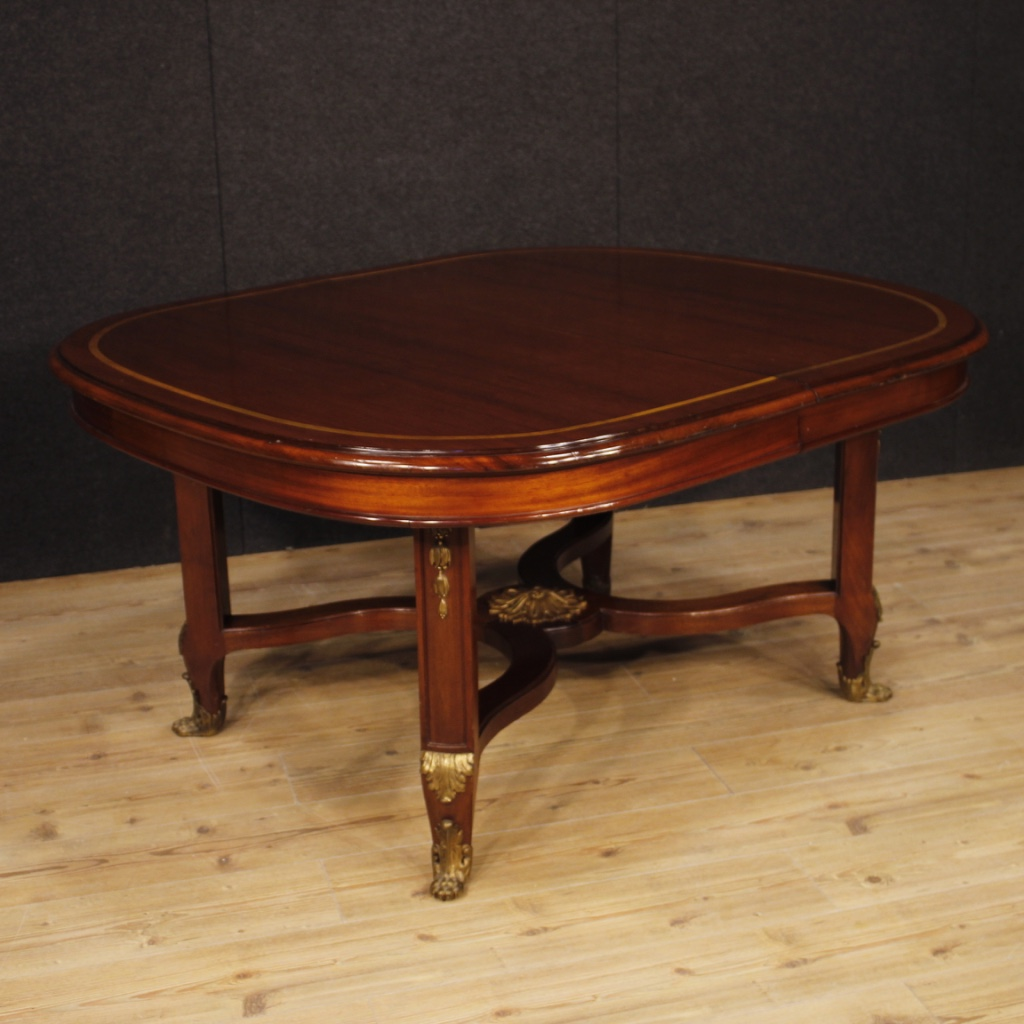 French Leaf Table In Mahogany Wood