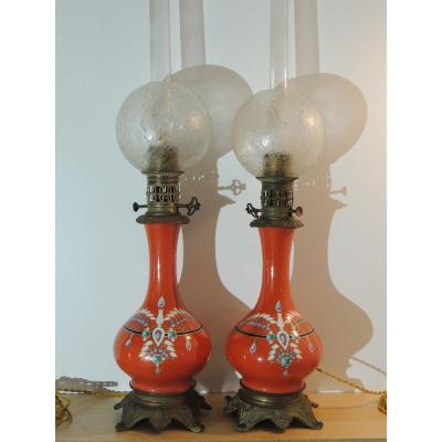 Paire De Lampes à Pétrole , Lampe En Porcelaine Du 19 ème Siècle