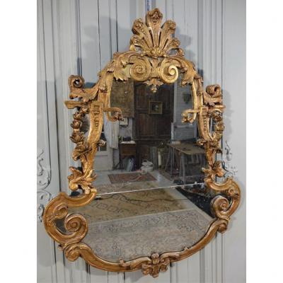 Miroir Italien En Bois Sculpté Et Doré. Milieu XVIIIème