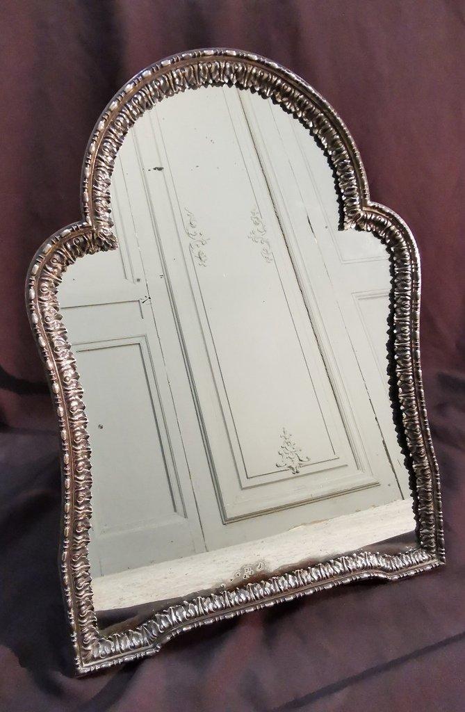 Miroir De Table En Métal Argenté. Epoque Début XIXème