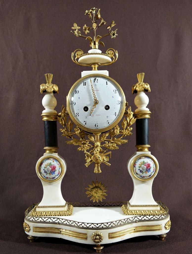 Pendule d'époque Louis XVI. Fin XVIIIème.