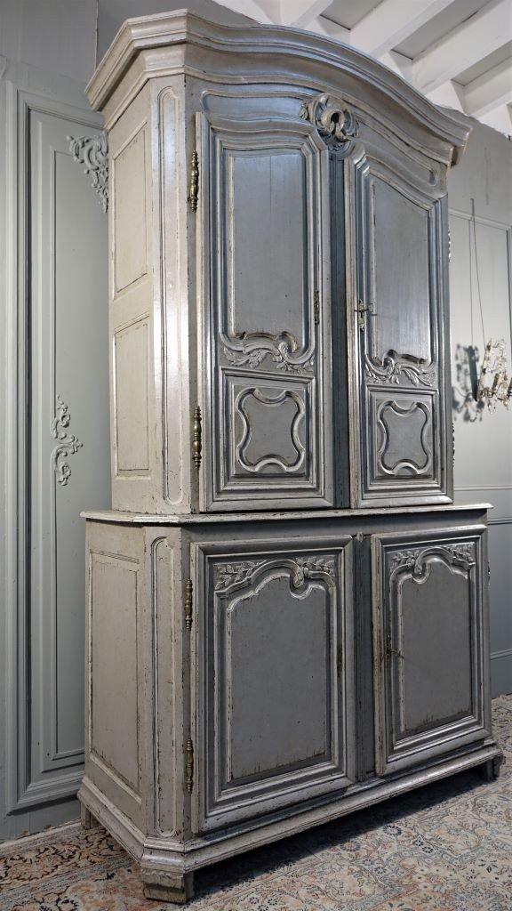 Buffet De Présentation En Chêne Peint De Style Régence
