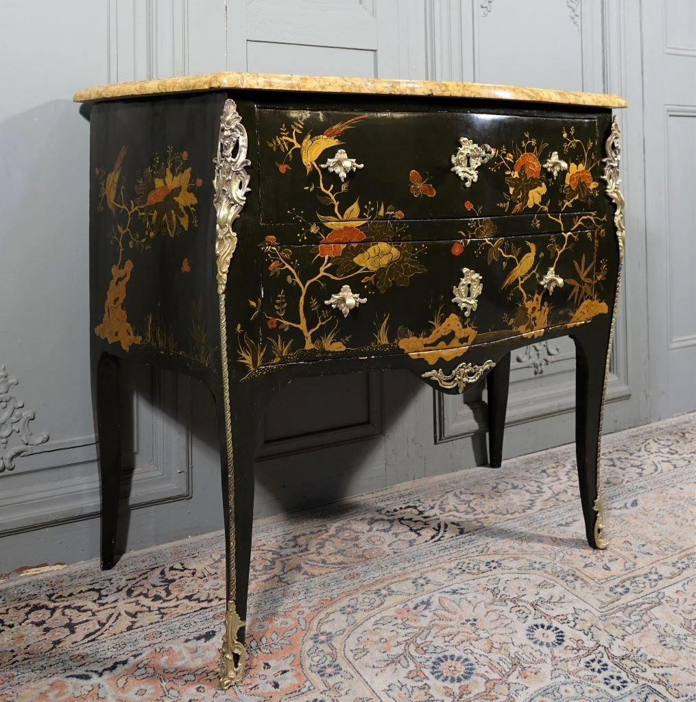 Commode Sauteuse Relaquée D'époque Louis XV  Estampillée C. Chevallier