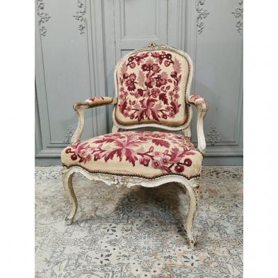Fauteuil d'époque Louis XV En Bois Laqué. Milieu XVIIIème.