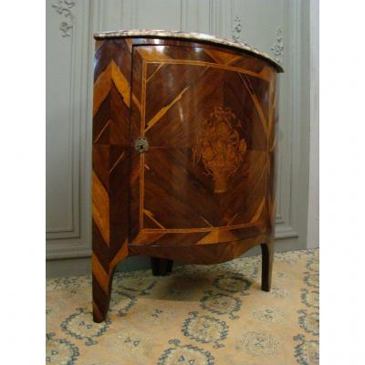 Curved Corner Louis XVI Period In Exotic Wood Marquetry. Late 18th Century